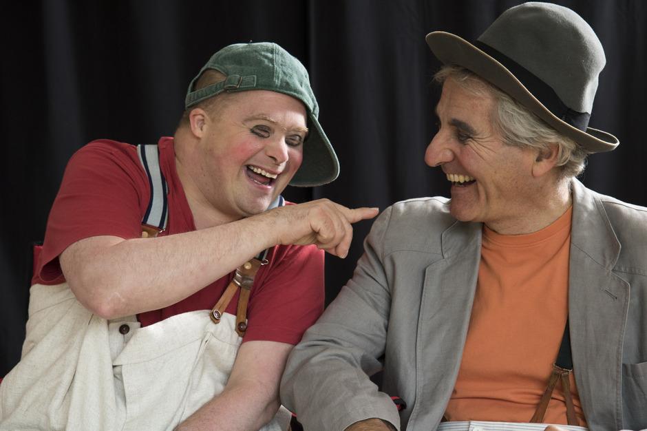 Eric Gadient (l.) und Olli Hauenstein treten als Clown-Duo auf.