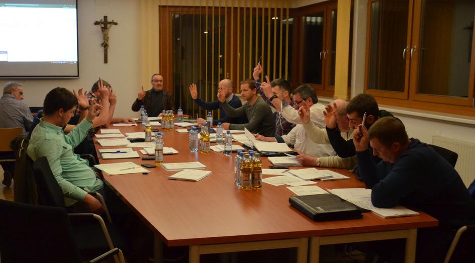 Einigkeit zeigte der Gemeinderat von Wenns nicht nur bei den Finanzen, alle Beschlüsse der letzten Sitzung erfolgten einstimmig.