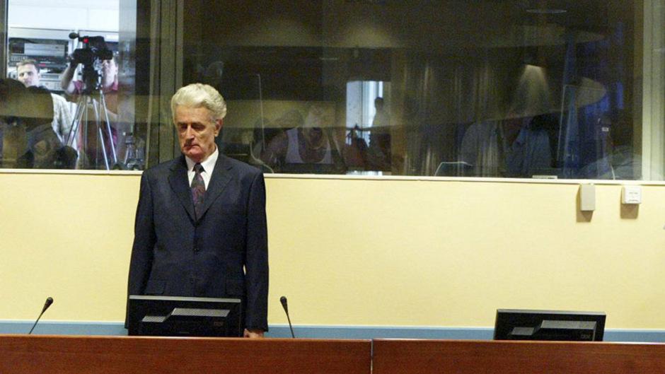 Radovan Karadzic kurz vor der Urteilsverkündung 2016 in Den Haag. 40 Jahre Gefängnis für Völkermord und Kriegsverbrechen lautete dieses am Ende. Nun wird es doch lebenslänglich.