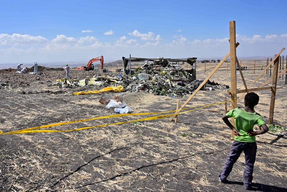 Trümmer der abgestürzten Ethiopian-Maschine.