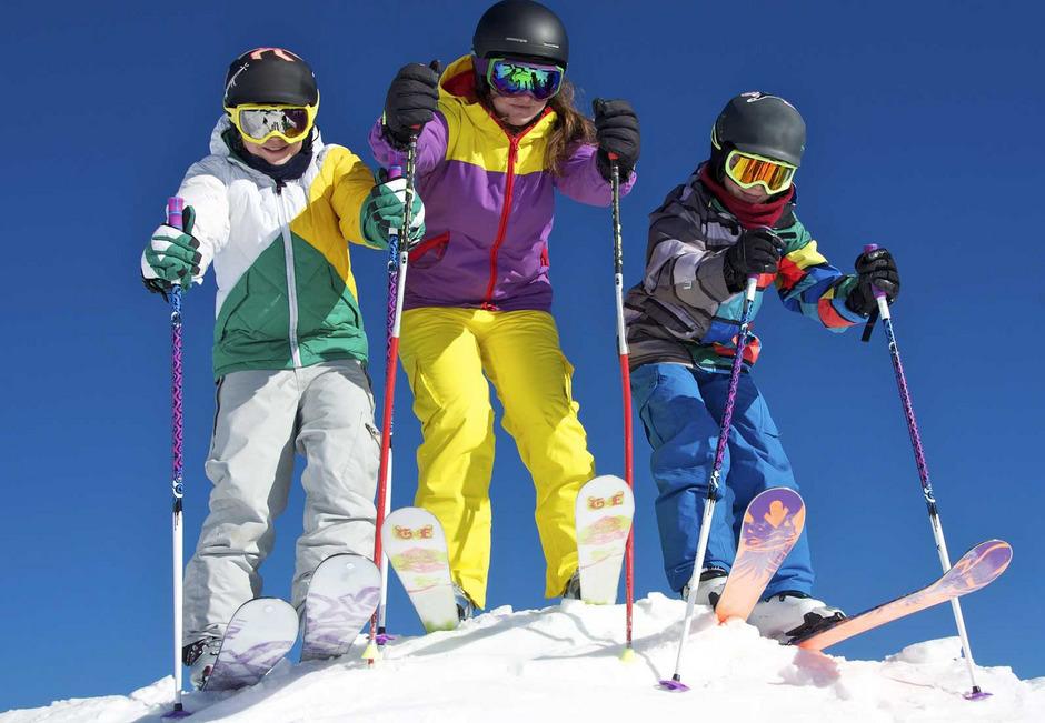 Soziallandesrätin Fischer glaubt, dass die neue Mindestsicherung so manches Kind vom Skischulkurs fernhalten wird. (Symbolbild)