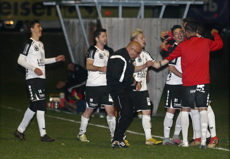 Das UPC-Tirol-Liga-Frühjahr hat seine erste Überraschung: Der SV Zams jubelte im Derby über einen 3:2-Sieg gegen Imst.
