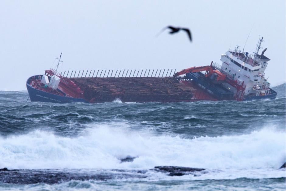 Kreuzfahrtschiff-mit-1370-Menschen-an-Bord-vor-Norwegen-in-Seenot