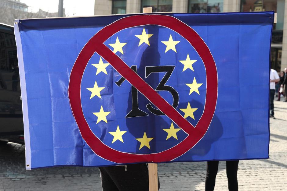 Ein Kompromiss in der EU sieht unter anderem ein Leistungsschutzrecht für Presseverlage sowie deutlich mehr Pflichten zum Urheberrechtsschutz für Plattformen wie YouTube vor.