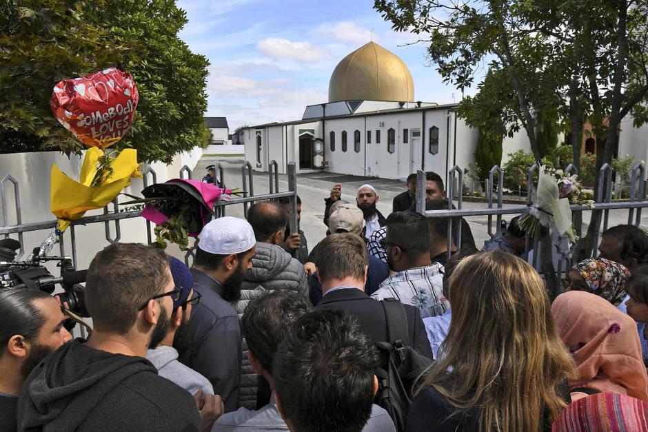Muslimische-Gl-ubige-kehren-in-Moscheen-von-Christchurch-zur-ck