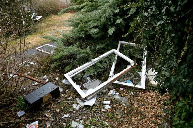 Bei einer Villa in Wattens wurden Fenster und die Inneneinrichtung zerstört.