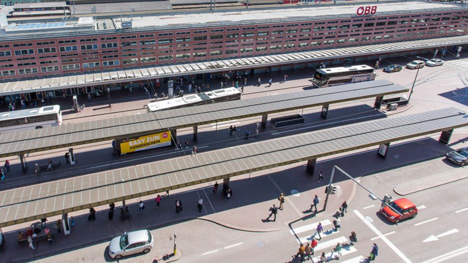 """Der Südtiroler Platz ist laut einer Aussendung der Stadt """"dringend sanierungsbedürftig""""."""