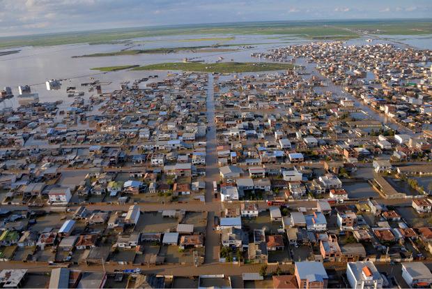 Der Ort  Agh Ghaleh im Norden des Landes steht unter Wasser.