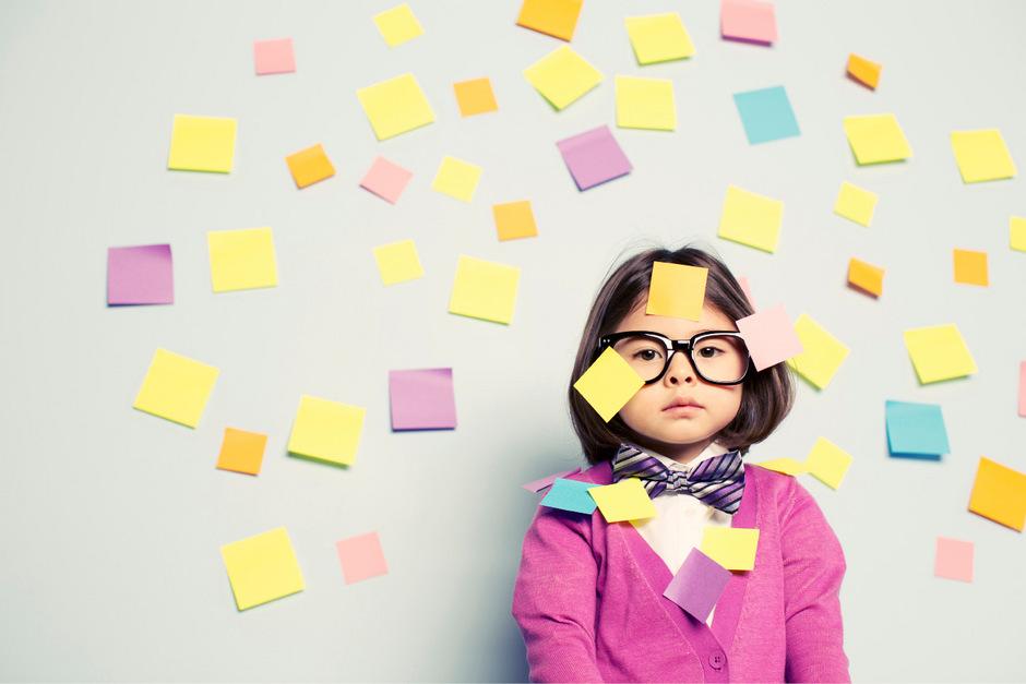 Nur nichts vergessen: Der schulische Druck auf Kinder kann zu ADHS-Symptomen führen.