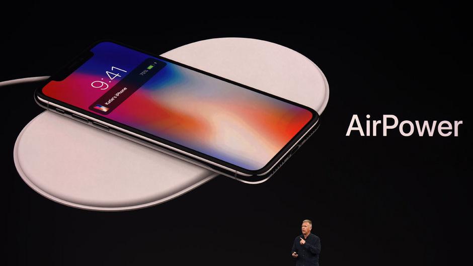Apple hatte AirPower bereits im September 2017 präsentiert und damals ohne einen genauen Termin einen Marktstart für das Jahr 2018 angekündigt.