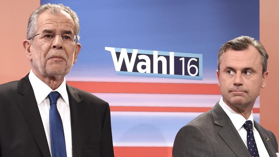 Konkurrenten um die Wählergunst für fast ein ganzes Jahr: Alexander Van der Bellen, heute Bundespräsident, und Norbert Hofer (r.), Infrastrukturminister.