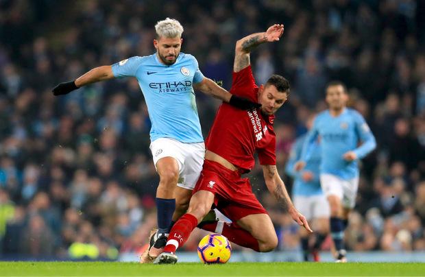 Der Kroate Dejan Lovren (r.) gegen den Argentinier Sergio Agüero – die Premier League steht für Internationalität.
