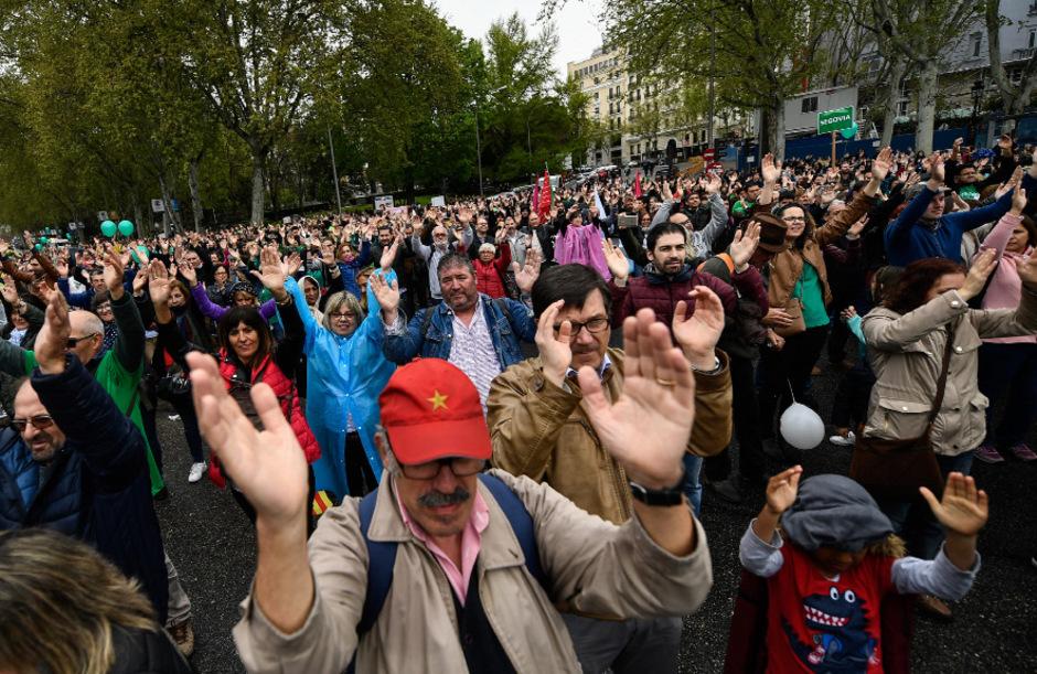 Mindestens 50.000 Menschen protestierten am Sonntag in Madrid gegen Landflucht und fehlende Infrastrukturen.