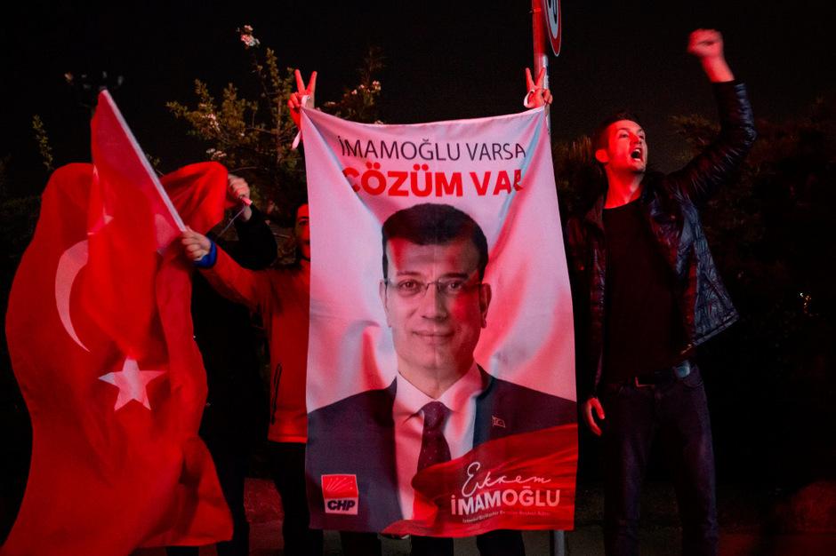 Ekrem Imamoglu gewann mit einem Vorsprung von fast 28.000 Stimmen.