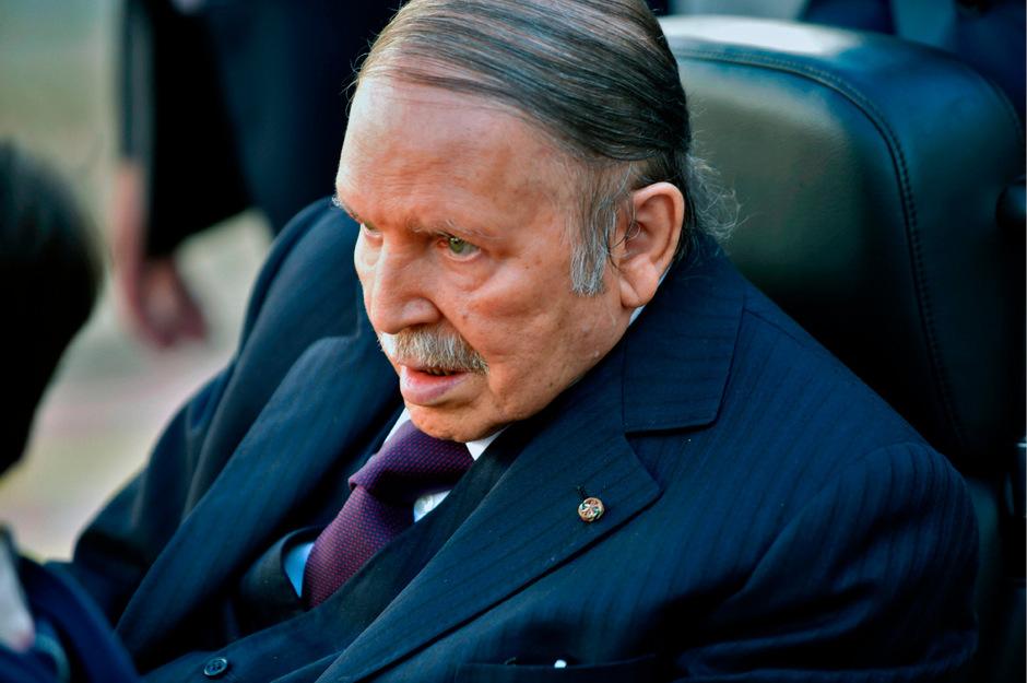 Der algerische Präsident Abdelaziz Bouteflika gibt auf.