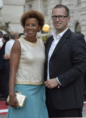 Kiesbauer ist seit 2004 mit dem Unternehmer Florens Eblinger verheiratet. Das Paar hat eine Tochter und einen Sohn.