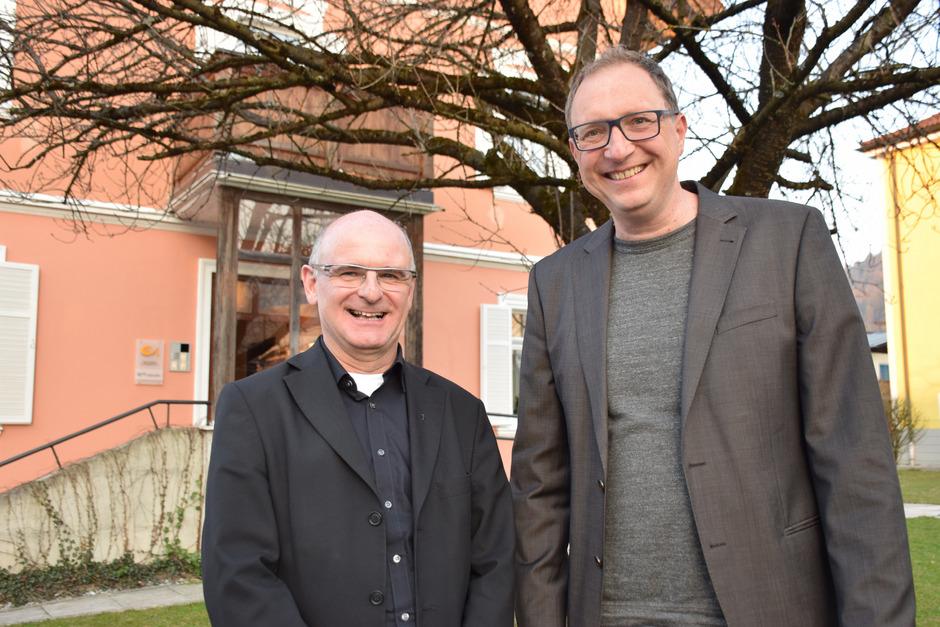 """Pfarrer Theo Mairhofer (l.) und PGR-Obmann Heinz Werlberger hoffen auf einen Nachfolger, der mit der """"Vielfalt in Wörgl"""" umgehen kann."""