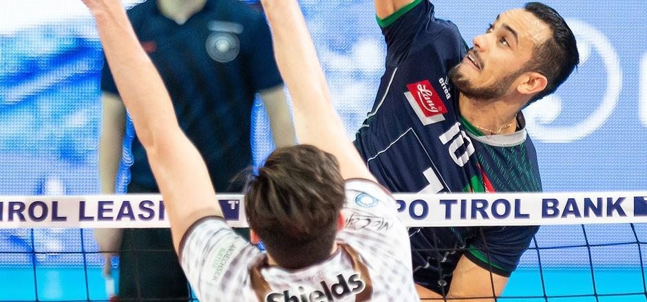 Hypo-Angreifer Hugo (r.) will heute den zweiten Sieg im bayerischen Derby fixieren.