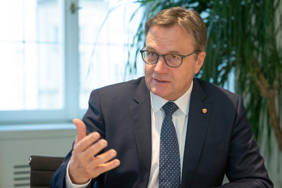 """LH Günther Platter (VP) ist auf einer Linie mit Kanzler Kurz: """"Extremistische Gruppierungen dürfen für Parteien keine Partner sein."""""""