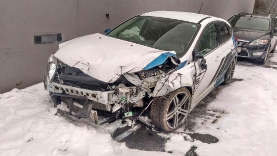 Das Sportauto eines Ötztalers hatte nach der Wahnsinnsfahrt durch Sölden nur noch Schrottwert.