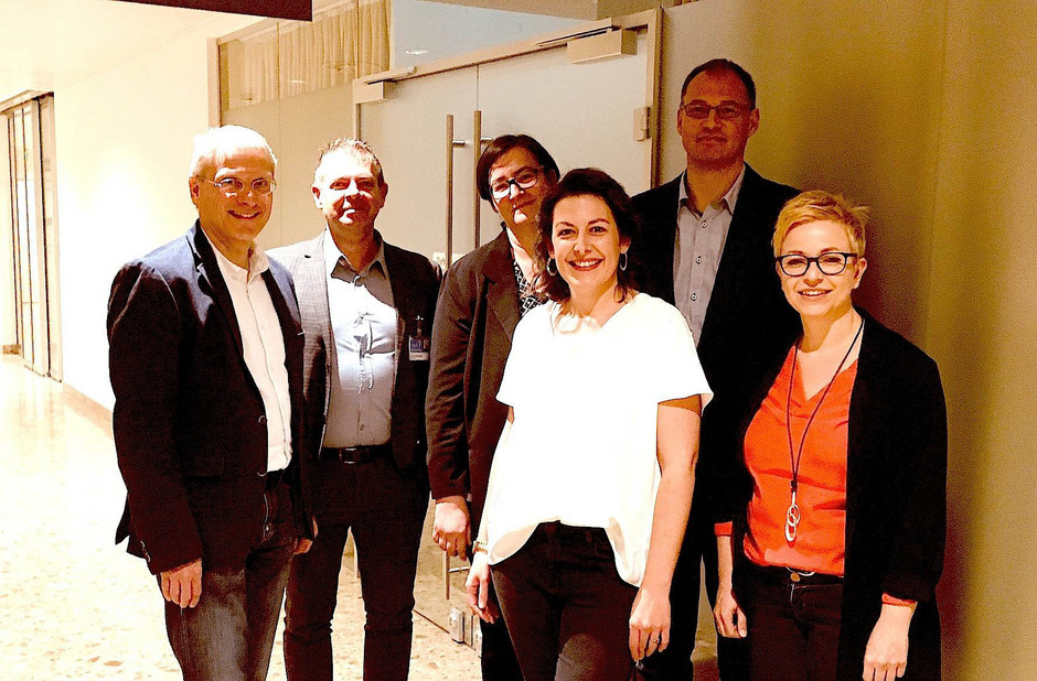 Nahtstellentreffen am BKH: Manfred Dag (AMS Kitzbühel), Harald Sinnhuber (BKH), Siliva Hirner (GuKPS), Barbara Pflauder (BKH), Christian Daurer (Vertretungsnetz Wörgl), Claudia Schweiger (GuKPS, v.l.).
