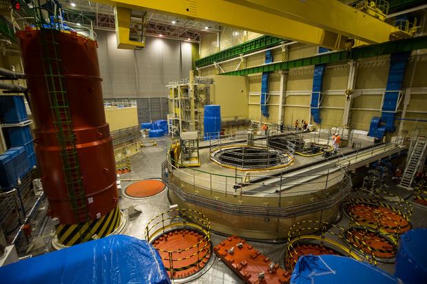 Das Innere von Reaktorblock 3 des Atomkraftwerks Mochovce in der Slowakei.