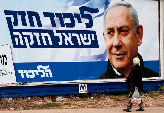 """Zehn Jahre schon regiert Benjamin Netanyahu oder """"König Bibi"""", wie ihn der Economist nannte, in Israel."""