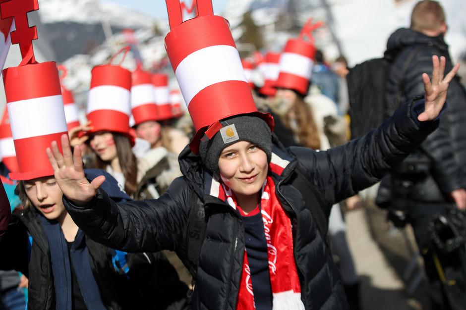 Die Österreicher lieben den Sport, bewegen sich gleichzeitig zu wenig. Dem Förderwesen fehlte es in der Vergangenheit an Effizienz, eine Vernetzung mit dem Bildungssystem ist kaum gegeben.