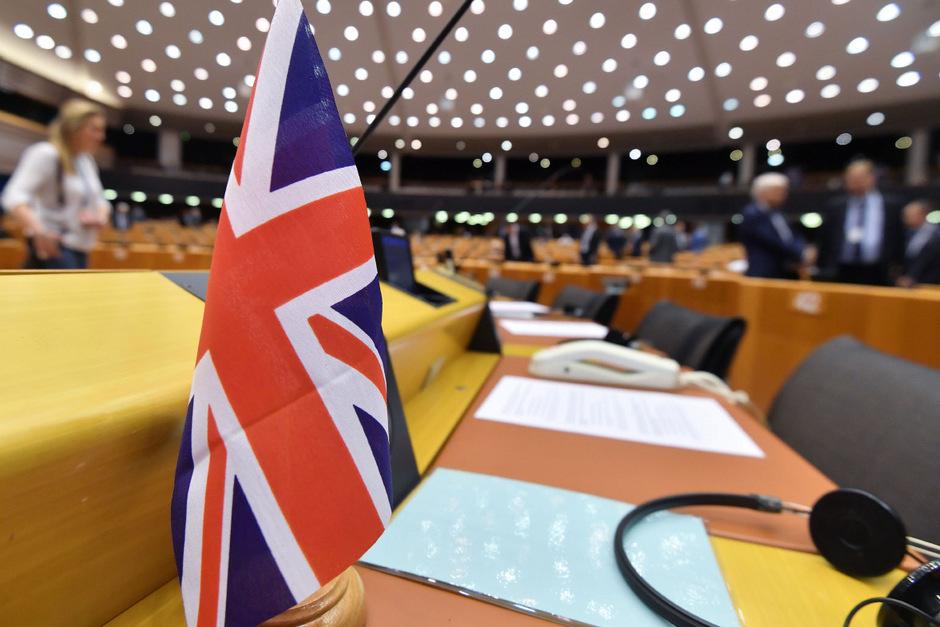 Ob die Briten an der EU-Wahl Ende Mai teilnehmen oder nicht, ist von zentraler Bedeutung für das Abschneiden der Rechtsfraktionen, der EVP und der Sozialdemokraten.