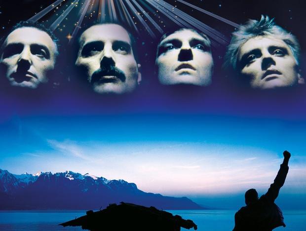 Die Queen Tribute Show kann man jeden Sonntag im Zeiss Planetarium Schwaz erleben.
