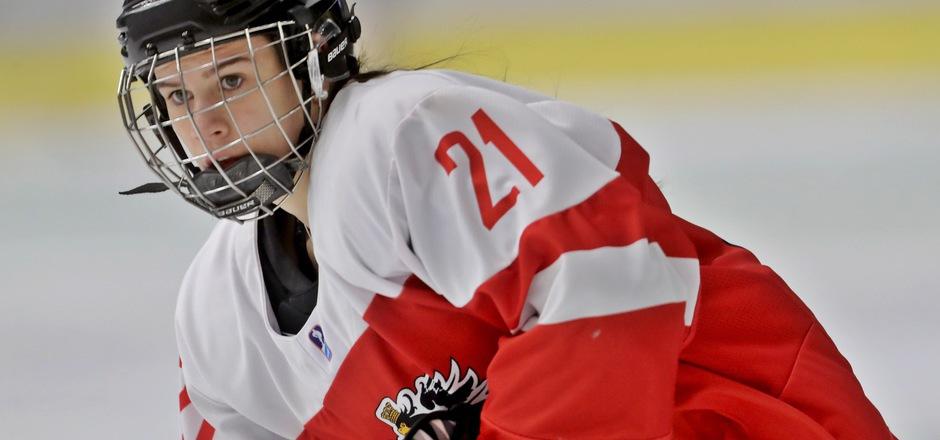 Laura Kraus zu den Leistungsträgerinnen im Damen-Eishockeyteam.