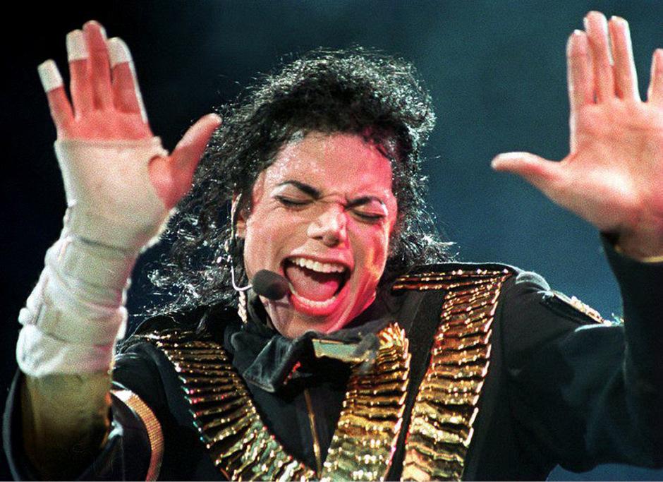 Michael Jackson bei einem Konzert 1993.