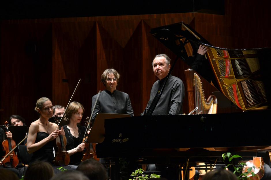Jérémie Rhorer (l.), Michail Pletnjow und das Russian National Orchestra begeisterten.