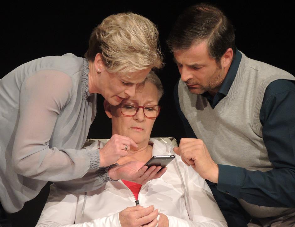 """Mit der Komödie """"Die Wunderübung"""" von Daniel Glattauer setzt die Theatergruppe OHA St. Anton auf Humor mit Anspruch."""
