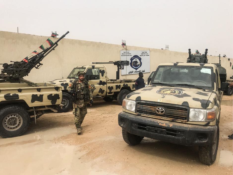 Haftars selbst ernannte Libysche Nationalarmee (LNA) will die Hauptstadt einnehmen, in der die international weitgehend anerkannte Regierung von Fayez al-Sarraj sitzt.