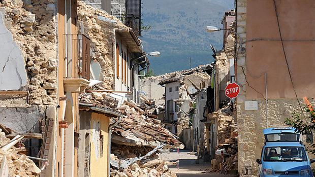 Die Zestörung in L'Aquila nach dem Beben der Stärke 5,9 vor zehn Jahren war gewaltig. 309 Menschen kamen ums Leben, 1600 wurden verletzt.