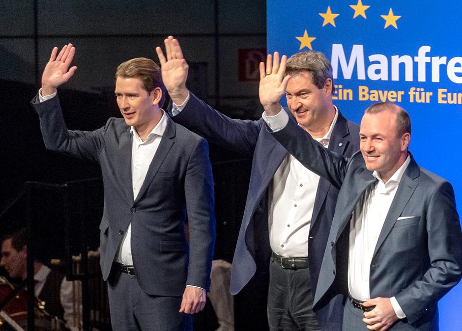 Sebastian Kurz, Markus Söder (CSU) und Manfred Weber (CSU) in Straubing.
