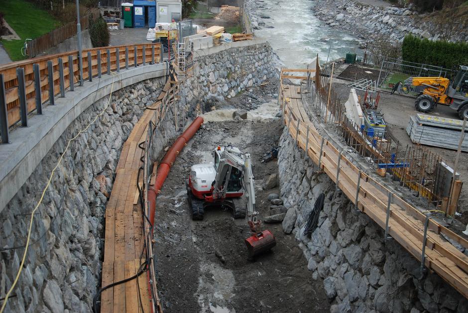 Am Pianner Lattenbach wird die Einmüdnung in die Sanna verbessert.