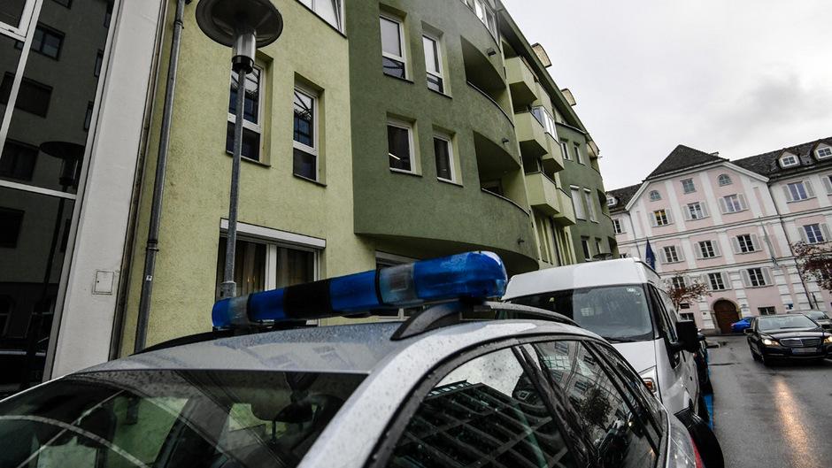 In einer Wohnung in dem Mehrparteienhaus wurde der 28-Jährige am Mittwoch getötet.
