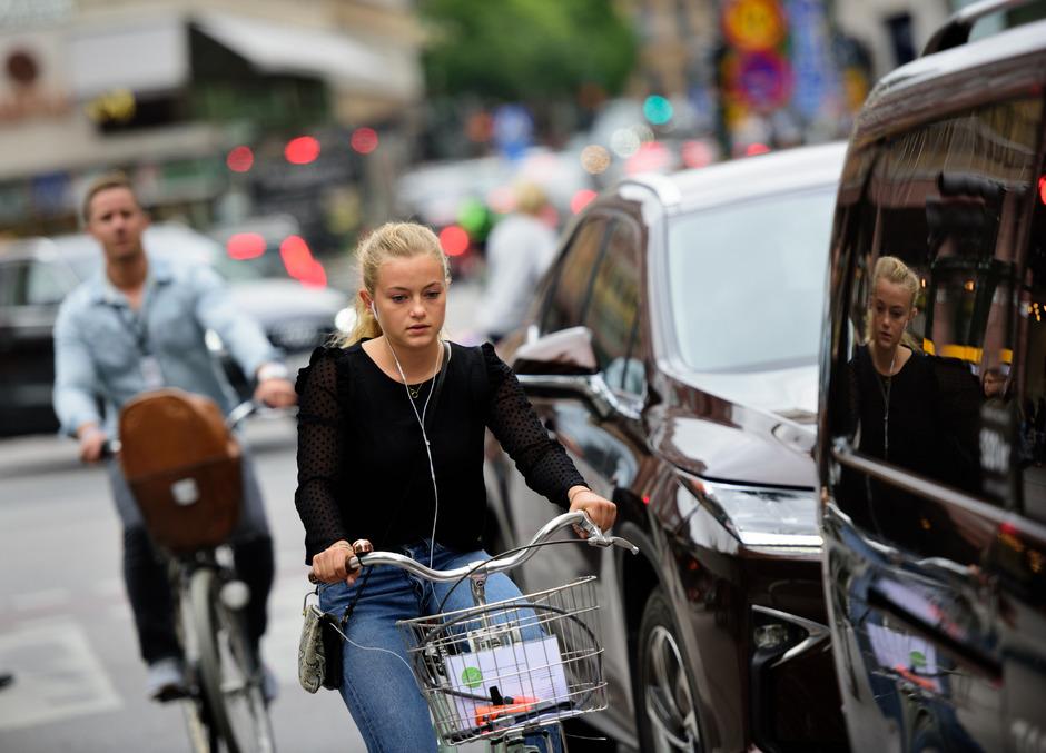 Abgedrängt: Die Novelle der Straßenverkehrsordnung soll Radfahrern mehr Sicherheit bringen.