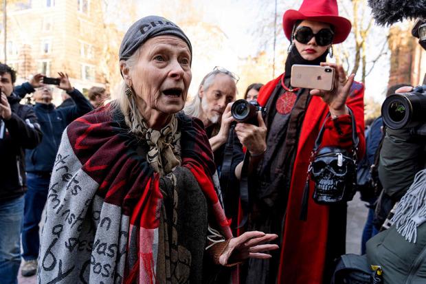Modemacherin Vivienne Westwood gehört zu den prominenten Verfechtern Assanges. Sie sprach heute in London zur anwesenden Presse.