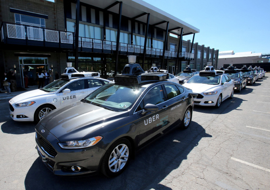 Uber investiert auch stark in neue Geschäftsfelder, wie zum Beispiel autonomes Fahren.