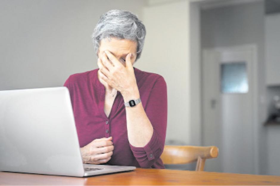 Besonders die ältere Bevölkerung traut sich Online-Amtsgeschäfte nicht zu, aus Angst, Fehler zu machen. Viele Menschen besitzen auch einfach keinen Computer