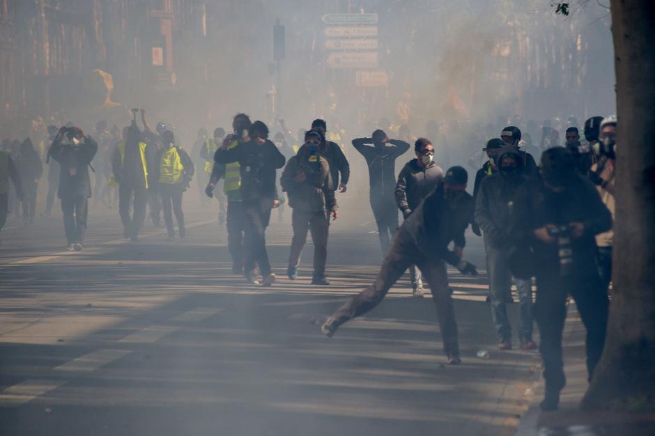 Wieder protestierten Tausende in Frankreich gegen die Regierung. Es kam erneut zu Ausschreitungen.