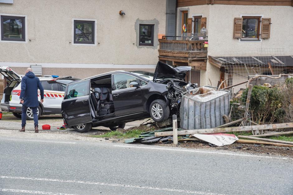 Eines der verletzten Kinder wurde mit dem Hubschrauber ins Krankenhaus nach Traunstein geflogen.