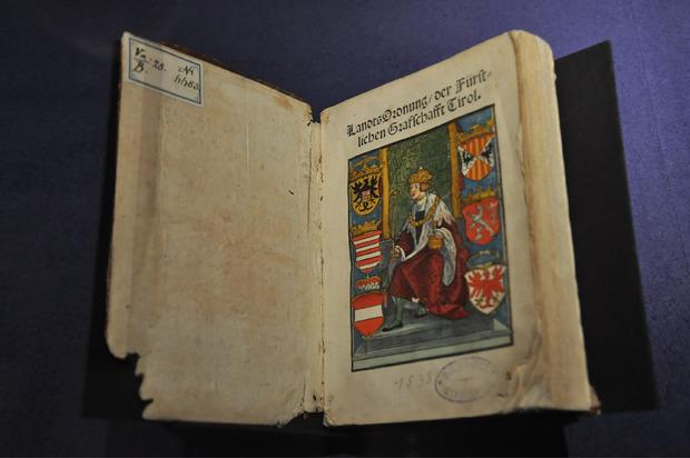Auch das Landlibell in der Ausgabe von 1538 ist Teil der Ausstellung.
