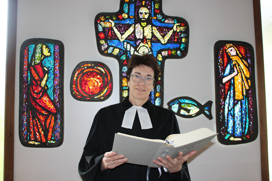 Die Pfarrerin Andrea Petritsch mit Standort in Jenbach hat rund 1050 Gläubige zu betreuen.