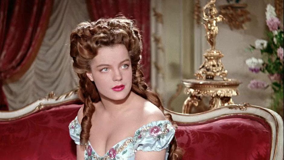 """In Österreich sind das Leben und die Tragik von Kaiserin Elisabeth durch die 1950er-Jahre-Filme bekannt, in denen Romy Schneider sie porträtierte und sie seitdem als """"Sissi"""" bekannt ist (ursprünglich lautete die Koseform ihres Namens """"Sisi"""")."""