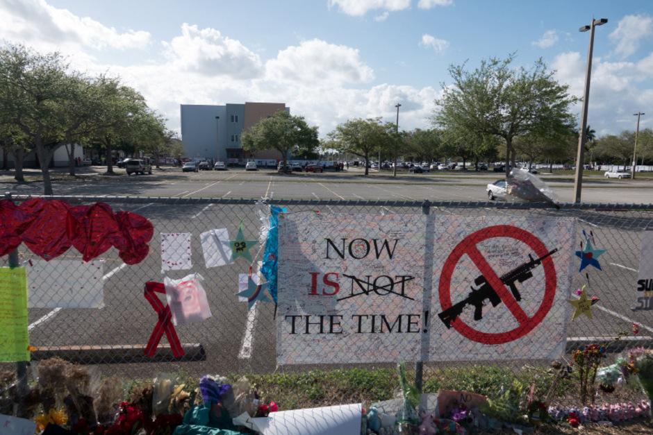 An der Marjory Stoneman Douglas High School in Parkland hatte im Februar 2018 ein 19-Jähriger 14 Jugendliche und 3 Erwachsene erschossen.