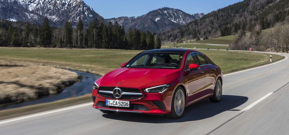 Im Mai startet die zweite Generation der CLA-Klasse, die Preisliste beginnt bei 35.340 Euro. Vom Vorgänger verkaufte Mercedes inklusive Shooting Brake rund 750.000 Exemplare.